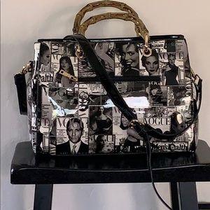 Handbags - Vogue graphic purse